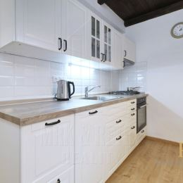 MRK & RETEX - realitná kancelária pôsobiaca na realitnom trhu od roku 1999Vám exkluzívne ponúka na prenájom 3 izbový byt na ulici Včelárska v ...