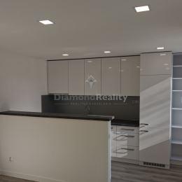 NOVÁ REKONŠTRUKCIA: Ponúkame na predaj veľmi pekný a útulný 3-izbový byt na Ipeľskej ulici v mestskej časti Košice - Západ. Byt má úžitkovú výmeru 55 ...
