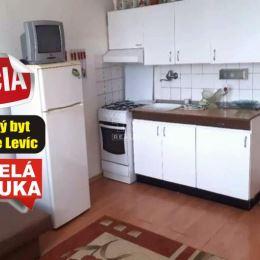 Na predaj 1. izbový byt v pôvodnom ale zachovalom stave o rozlohe 37 m2 v úplnom centre okresného mesta Levice. Byt sa nachádza v jednej z ...