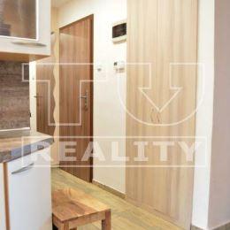 TUreality Vám ponúka na predaj pekný 3 izbový byt po kompletnej rekonštrukcii, na Úsvite o rozlohe 78,1m2. V rámci rekonštrukcie boli vymenené ...