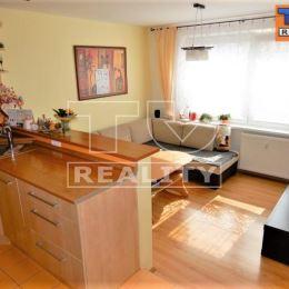 TUreality Vám ponúkajú NA PREDAJ pekný, prerobený 2-izbový byt, ktorý prešiel rekonštrukciou v Nitre na sídlisku Klokočina na Viničkách.Byt sa ...