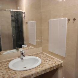 Na predaj EXKLUZÍVNE zrekonštruovaný 2 izbový byt o výmere 49 m2 v Žiline na sídlisku Hliny. Byt pozostáva zo vstupnej chodby so vstavanou skriňou, ...