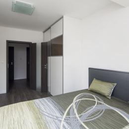 Realitná kancelária OREA, Vám exkluzívne ponúka na predaj 3-izbový nadštandardný priestranný byt o výmere 85,5 m2, ktorý sa nachádza v Dolnom Kubíne ...