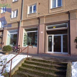 Realitný maklérFazika Miroslava BV REAL realitná kancelária ponúka na prenájom komerčný priestor vPrievidzi.Nachádza na dobre frekventovanom mieste ...