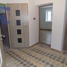 Realitná maklérka Lucia Pastierikováa realitná kancelária BV REAL ponúka na predaj 5 izbový rodinný dom v Diviakoch nad Nitricou, okres Prievidza.Zo ...