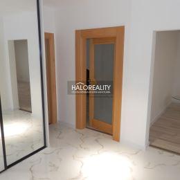 Ponúkame na predaj kompletne prerobený 3 izbový byt v Piešťanoch na Teplickej ulici. Na 4/8 poschodí s výťahom.Výmera bytu je 84m² + balkón 3m² + ...