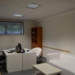 Realitná kancelária Orea Vám Ponúka na prenájom podnikateľský priestor/kanceláriu blízko centra mesta Dolný Kubín s dostupnosťou bez dopravných ...