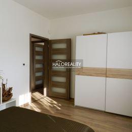 Ponúkame na predaj nízkoenergetický rodinný dom typu bungalov na pozemku s celkovou výmerou 625 m² v obci Veľké Blahovo, vzdialenej iba 3 km od ...