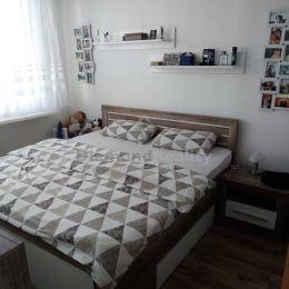 Ponúkame na predaj veľmi pekný a útulný 3-izbový byt na ulici Laboreckej v mestskej časti Košice - Západ, pri OC Galéria. Byt má úžitkovú výmeru 55 ...