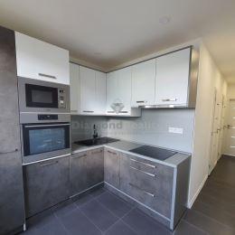 Ponúkame na predaj 2-izbový byt s loggiou na ulici Titogradskej v mestskej časti Košice - Sídlisko KVP. Byt je orientovaný na východ a západ, má ...