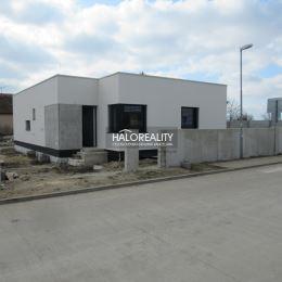 Ponúkame na predaj 4-izbový samostatne stojaci rodinný dom v novovybudovanej lokalite v obci Kostolná pri Dunaji, okr. Senec. Dom sa predáva v štádiu ...