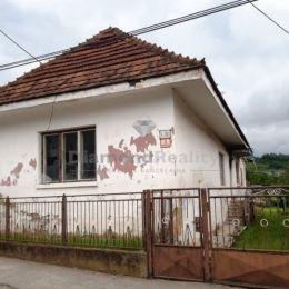 Na predaj starší rodinný dom, Družstevná pri Hornáde, Košice - okolie časť Malá Vieska. Dom sa nachádza na pozemku o výmere 750 m2. Dom má 3 izby, ...