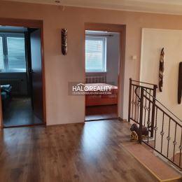 Ponúkame na predaj päťizbový rodinný dom nachádzajúci sa v kúpeľnom meste Veľký Meder. Dom sa nachádza v obľúbenej tichej lokalite mesta, je ...