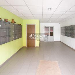 Ponúkame Vám na predaj slnečný a priestranný jeden a pol izbový byt v Bratislave, mestská časť Dúbravka na Saratovskej ulici. Celková plocha bytu je ...