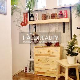 Exkluzívne ponúkame na predaj dvojizbový byt s výmerou 71 m² v uzavretom areáli v meste Šamorín, okres Dunajská Streda.Dispozícia bytu: vstupná ...