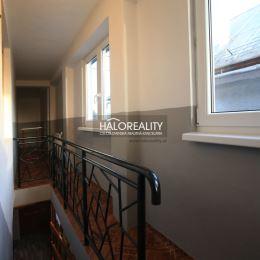 Ponúkame Vám na predaj zrekonštruovanú chalupu v Polomke. Ide o útulnú a dobre prístupnú nehnuteľnosť, celoročne využiteľnú na bývanie, rekreáciu i ...