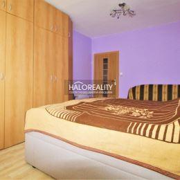 Ponúkame na predaj štvorizbový byt v Nitre na Bizetovej ulici. Byt má výmeru 83 m², je orientovaný na SZ-JV a je na vyvýšenom prízemí sedem ...