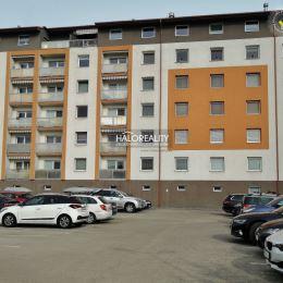 Ponúkame na predaj dvojizbový byt v širšom centre mesta Zvolen, Kuzmányho nábrežie. Byt v osobnom vlastníctve má rozlohu 57 m², nachádza sa na 1. ...
