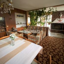 Ponúkame na predaj rodinný dom v meste Hnúšťa ktorý má 220m². Dom sa nachádza na pozemku o rozlohe 1355m². Dom bol postavený v roku 1978. Je ...
