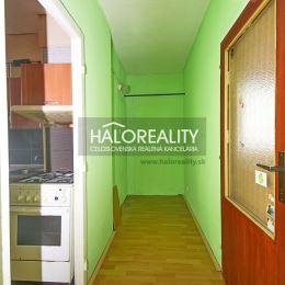 Ponúkame Vám na predaj priestranný dvojizbový byt s dvoma balkónmi v Nitre, na sídlisku Klokočina. Byt má rozlohu 64m². Nachádza sa na šiestom ...