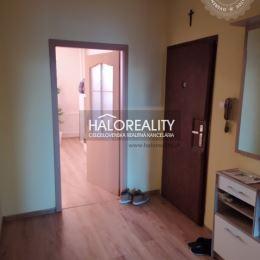 Ponúkame na predaj priestranný slnečný dvojizbový byt v Považskej Bystrici na sídlisku Rozkvet, ktorý sa nachádza na šiestom poschodí panelového ...