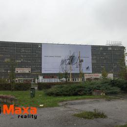 Ponúkame Vám exkluzívne na predaj garážový box vo veľkogarážach na Hlinách v Žiline. Garážový box je o veľkosti 13 m2. Objekt je strážený 24 hodín ...