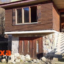 Ponúkame na predaj rekreačnú chatu v obci Rudno nad Hronom, v pohorí Štiavnických vrchov, len 6 km od Novej Bane a 8 km od Žarnovice. Postavená je na ...