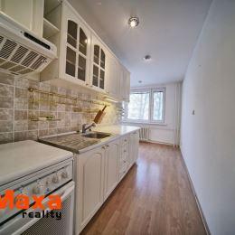 Ponúkame Vám na predaj veľkometrážny 3 izbový byt na sídlisku Žabník pár metrov od centra mesta Prievidza. Byt o rozlohe 82m2 sa nachádza na prvom ...