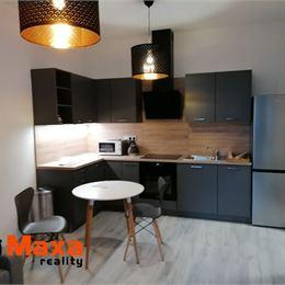 Ponúkame Vám na prenájom 2 izbový byt Senica. Cena 320 €/mesiac.Byt s rozlohou 42m² pozostáva zo spálne, obývačky s kuchyňou, kúpeľne a ...