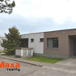 VÝNIMOČNÁ PONUKA, vo výhradnom zastúpení majiteľa, Vám ponúkame na predaj exkluzívny klimatizovaný rodinný dom typu BUNGALOV vo vyhľadávanej a ...
