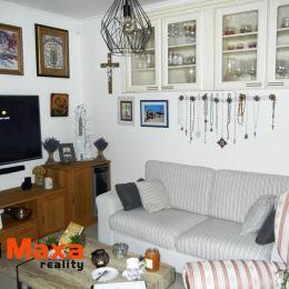 MAXA reality ponúka na predaj exkluzívnu nehnuteľnosť určenú pre náročného klienta.Ponuka pozostáva z dvoch rodinných domov v jednom dvore, ktoré ...
