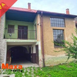 Ponúkame Vám na rodinný dom v pôvodnom stave nachádzajúci sa v obci Nitrianske Pravno pri Prievdzi. Dom je postavený na pozemku o celkovej výmere 798 ...
