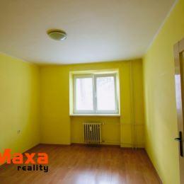 Ponúkame Vám na predaj 2 izbový tehlový byt v Novákoch. Byt o rozlohe 55m2 sa nachádza na vyvýšenom prízemí. Okrem plastových okien je byt v pôvodnom ...