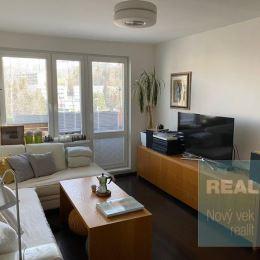 Exkluzívne u nás. Ponúkame na predaj krásny 3 izbový nadštandardne zrekonštruovaný byt na sídlisku Stred.