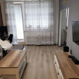 So súhlasom majiteľa nehnuteľnosti ponúkame na predaj 3 izbový byt (pražský typ) s lodžiou po kompletnej 4 ročnej rekonštrukcii, v najvyhľadávanejšej ...