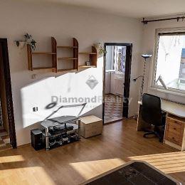 Ponúkame na predaj pekný 1-izbový byt s loggiou na ulici Bukureštskej v mestskej časti Košice - Sídlisko Ťahanovce. Byt má úžitkovú výmeru 39 m2, ...