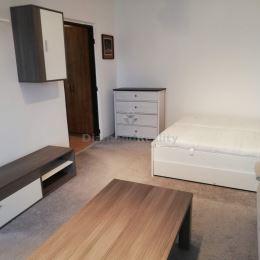 Na prenájom 1 izbový byt na ulici Ludvika van Beethovena v Trnave, Prednádražie 2. Byt sa nachádza na 7. poschodí bytového domu. Na byte bola ...