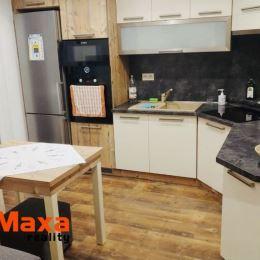 Ponúkame Vám na predaj 2,5 izbový družstevný byt v obci Ráztočno. Byt o rozlohe 58m2 sa nachádza na 1 poschodí. Výhodou pre nového majiteľa je, že si ...