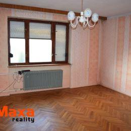 Ponúkame na predaj rodinný dom v obci Dolná Trnávka. Tehlový dom bol postavený v roku 1961. Zastavaná plocha a nádvorie má 904m2. K domu patrí aj ...