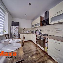 Ponúkame Vám na predaj 2 izbový byt v tehlovom bytovom dome bez výťahu na Starom sídlisku v Prievidzi. Jedná sa o prízemný byt s podlahovou plochou ...