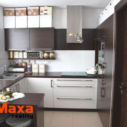 Ak hľadáte veľký, nadčasovo zrekonštruovaný dvojizbový byt vo vyhľadávanej lokalite, práve ste ho našli. EXKLUZÍVNE v Maxa Reality na predaj veľký ...