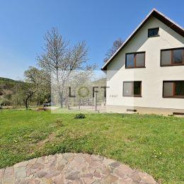 Ponúkame na predaj zrekonštruovaný 4-izbový tehlový rodinný dom na Myjave, Brezová pod Bradlom, dom je situovaný v krásnom a tichom prostredí ...