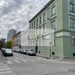 Hľadám pre klienta na kúpu 2 - izbový byt v STAROM MESTE, Moskovská ulica a okolie, môže byť aj pôvodný stav. Ak uvažujete o predaji svojej ...