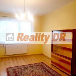 Prenájom pekného 1 izbového bytu na Ľadovni, na ul. Petrikovicha. Byt o rozlohe 39 m² prešiel kompletnou rekonštrukciou a nachádza sa v zateplenom ...
