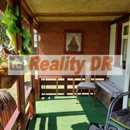 4 ročný plnohodnotný rodinný mobilný dom s prístavbou s úžitkovou plochou 73 m2. Svojim vybavením a polohou poskytuje možnosť celoročného bývania, ...