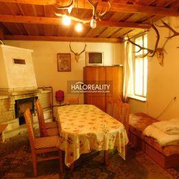 Ponúkame na predaj rodinný dom v nádhernej lokalite uprostred lesa. Kamenný dom pozostáva z kuchyne, štyroch izieb, kúpeľne s toaletou, vstupnej ...