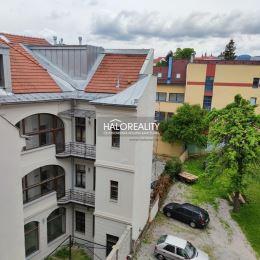 Ponúkame na predaj veľký, tehlový , dvojizbový byt v centre Banskej Bystrice. Byt sa nachádza na ulici Kukučínova. Je v úplne pôvodnom stave vrátane ...