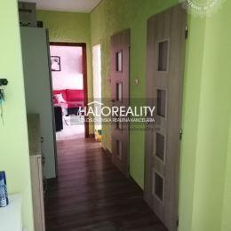 Ponúkame na predaj trojizbový byt v Banskej Bystrici, katastrálne územie Šálková. Byt je po kompletnej rekonštrukcii. Má výmeru 64 m², k bytu ...