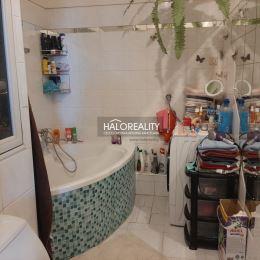 Ponúkame na predaj trojizbový /3,5/ veľkometrážny byt v Prievidzi na Severe, ktorý je v osobnom vlastníctve o rozlohe 82 m², 5 poschodie z 5, ...