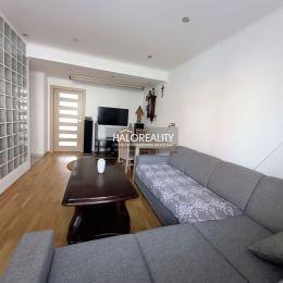 Ponúkame na predaj trojizbový, tehlový byt v centre mesta Prievidza- ulica Mišíka. Byt má rozlohu 72,6 m², orientovaný severovýchod - juhozápad a ...